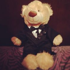 """{How I got asked to Prom. My boyfriend brings out this Build-a-bear and asks me why he's wearing a tux when I didn't know he tells me to press it's right hand and in my boyfriends voice the teddy bear says """"so what do you say Annette, will you go to prom with me"""" Cuteeeee❤}"""