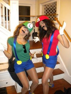 DIY> Super Mario Bros Mario & Luigi Halloween costume