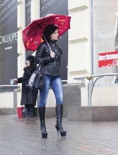 Sexy Mature Ladies: Rainy day shopping
