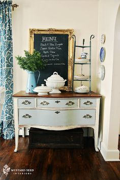 Milk Paint vs Chalk Paint/  I remember using milk paint in the 80's and I loved it then- you could buy it at Hobby Lobby then!  So excited for Miss Mustard Seeds paint!