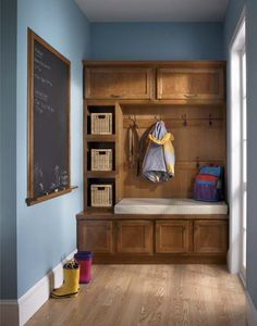 mudroom- love the chalkboard