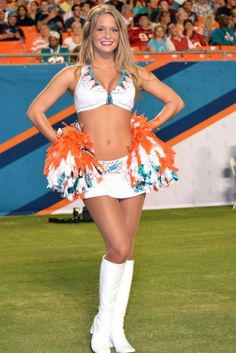Nice Cheerleader in pantyhose - More pictures here: http://sexypantyhose.nyloncelebs.com/cheerleaders-nice-cheerleader-girls-in-pantyhose-05/