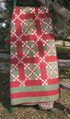 Would be a pretty Christmas quilt