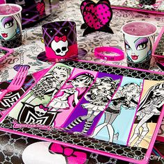 When it's time for creepy-cool birthday cake, the dining room needs Monster High treatment, too!
