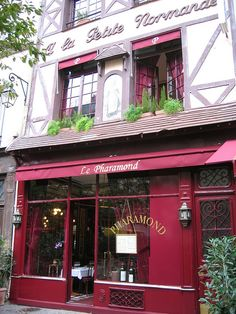 Hemingway, Fitzgerald ... they hung out here.  Le Pharamond – 24 rue de La grande Truanderie, Paris 1er
