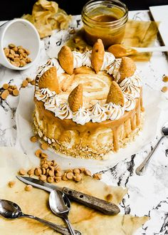 Peanut butter pie mousse cake. Wow!!! #desserts #cakes