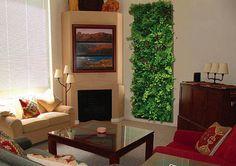 """Os """"painéis verdes"""" são uma ótima opção para utilizar plantas em pequenos espaços."""