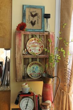 Flea Market Finds and DIY::FREE Upcycled pallet Tutorial by @deb rouse schwedhelm Depew's