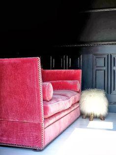 Etxekodeco sumptuous fuchsia pink velvet Knole sofa and mad shaggy little footstool