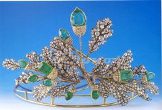 Emerald and Diamond tiara in the form of acorns and oak leaves is thought to belong to the Alba family.