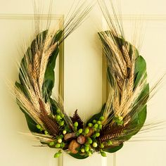 Horseshoe-Shape Fall Wreath - instructions at bhg.com /v