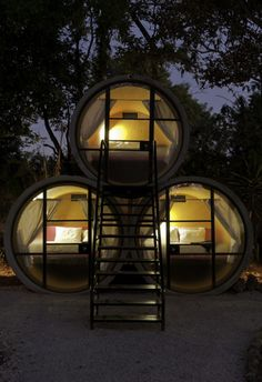Recycled concrete pipe tubular hotel in Mexico