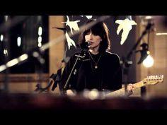 "Daughter - ""Still"" (Live @ Air Studios) - YouTube"