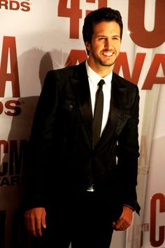this man, country boys, country girls, dresses, luke bryan, dress up, hotti, country men, countri