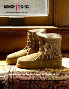 Minnetonka Women's Sheepskin Tramper Boot Style #3431 Cozy Lining Fringe Braided Accent Lace | #TheShoeMart #CozyToes