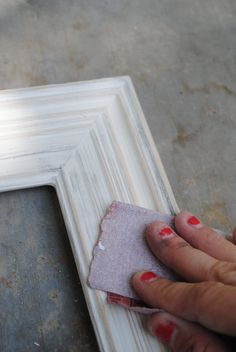 diy shabby chic frames, distressing picture frames, shabbi chic, black white, distress pictur, diy distressed picture frames, diy shabbi, pictur frame, how to distress frames