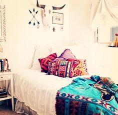#bohemian #decor bedroom hippie chic, bedroom decor, color, hippie chic bedroom, white walls, white bedrooms, dream bedrooms, bohemian bedrooms, chic apartment bedroom