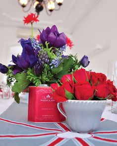 cup, tea parti, garden ideas, bridal brunch, british invasion, flower ideas, tin, party flowers, bridal showers