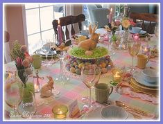 Lots of pretty ideas here !!! Beautiful table !!!
