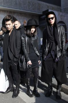 if i was into wearing all black. Paris Fashion Week