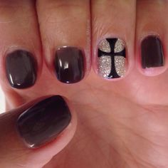 Celtic cross nail art design