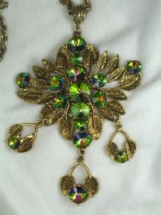 Amazing Huge Green Rivoli Rhinestone Hollycraft Dangling Necklace and Earring Set
