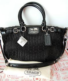This purse is freakin' awesome <3