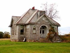Adorable abandoned school house in Indiana. I wish I could relocate this house and save it. Such personality. Love the cupola that must have sat on top at one time. Very sad.