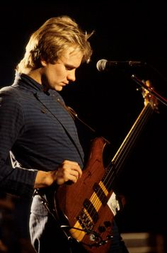 The Police (1979) - Sting in his... hilarious fashionable outfit during their US-Tour 1979-80.