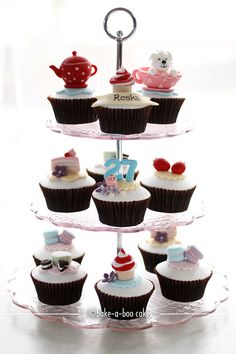 Tea party theme cupcakes