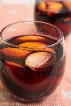Pesche al vino rosso (Peaches in Red Wine)