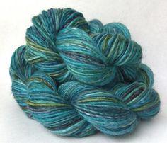 The Bee's Knees - worsted weight handspun yarn