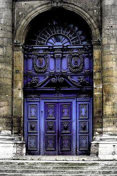 Beautiful Baroque door, rue Saint-Paul, Paris