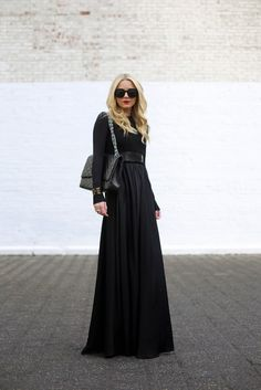 24 Fashionable Outfits Inspiration:: Love this all black.