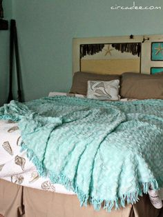 beach bedroom - aqua chenille throw Love the pillow, comforter, and the starfish behind the bed