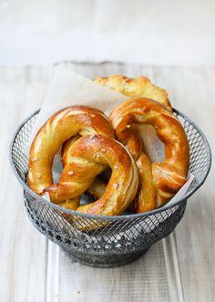 Alton Brown's soft pretzel