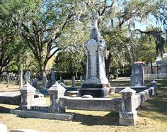 Bessie The Witch | Elizabeth Budd Graham grave in the Old City Cemetery in Tallahassee, Florida