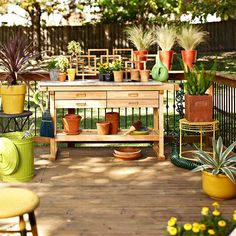 This outdoor gardening center is filled with savvy storage ideas. See what they all are here: http://www.bhg.com/home-improvement/deck/ideas/deck-design-ideas/?socsrc=bhgpin042113gardencenter