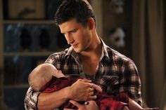 Parker Young..Suburgatory.
