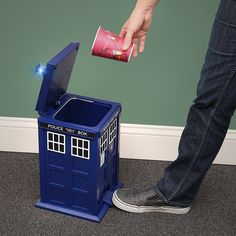 Doctor Who TARDIS Trash Can