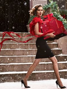 Miss Millionairess Glamour and traditional Christmas...