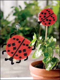 creativ ladybug, ladybug duo, canva pattern, plastic canvas, plastic canvi