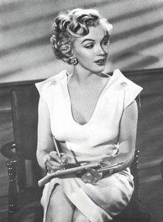 Marilyn Monroe As young as you feel , 1951