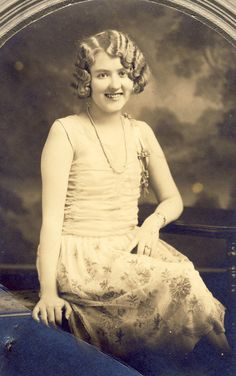 Young Woman FLAPPER In STYLISH ROARING 20s Dress and Hair Photo Holdrege Nebraska Circa 1920s