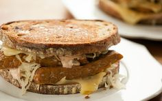 Tofu Rueben with Russian Dressing // Enjoy the bold flavors of this classic American sandwich with a meatless twist, using tempeh instead of corned beef.
