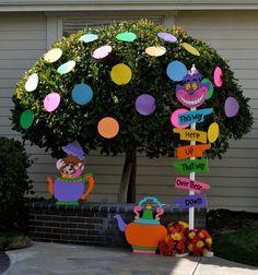 tree, alice in wonderland, wonderland party, mad hatter birthday, wonderland parti, parti idea, kid birthday parties, dot, party props