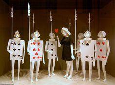 shop, visual merchandis, craft, window displays, queen of hearts, card, deck, windowdisplay, moschino