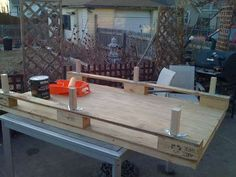 How to determine if a wood pallet is safe for use in projects - good info!