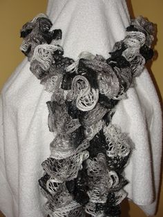 Sashay Scarf - Hip Hop $20 Cdn  Ooohhhh. I really like the color of this Scarf!!  I'm going to make several!!!  :)
