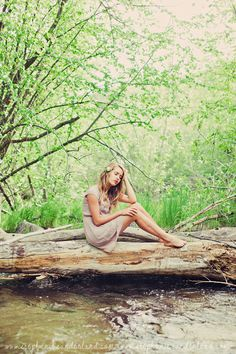 Utah Senior Photography. Stephanie Sunderland Photography. Natural Makeup. Vintage style photo shoot. Fashion photography.